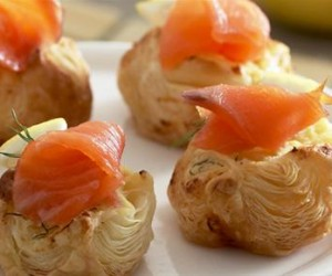 Puff pastry canapes ideas 28 images puff pastry for Puff pastry canape ideas