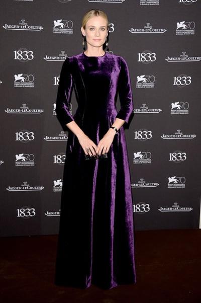 Diane Kruger looks like a gothic queen in Alberta Ferretti