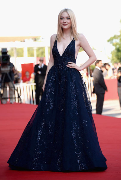 Dakota Fanning might only be 19 but she looks so elegant in Elie Saab Couture