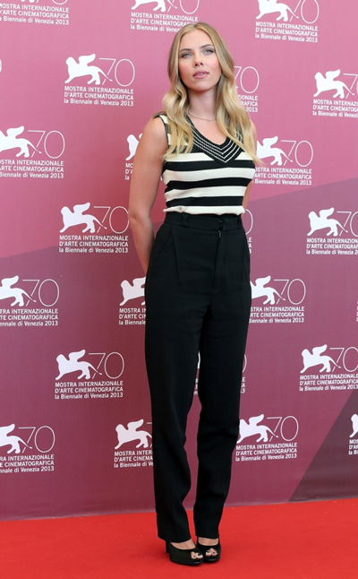Scarlett Johansson does casual chic in a Sonia Rykiel striped top, Roland Mouret high-waisted trousers and Roger Vivier heels
