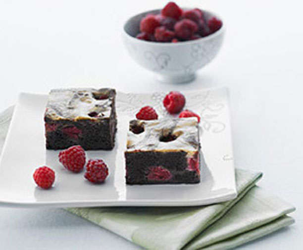 desserts, dessert recipe, sclice, snacks, raspberry slice