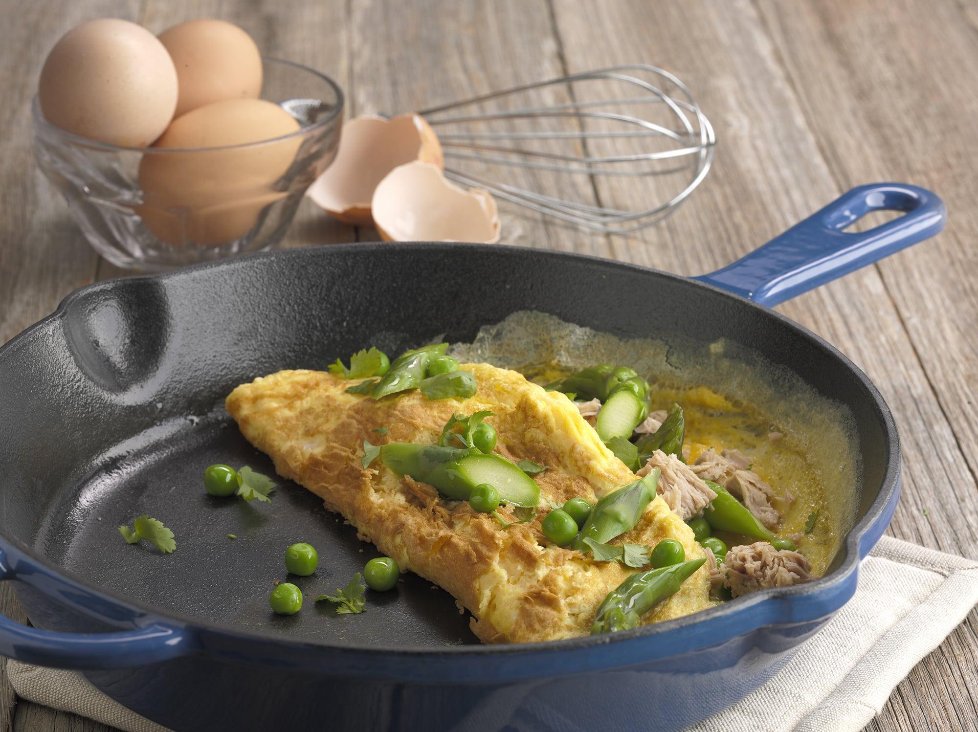 egg, dinner recipes, recipes, omelette, asparagus, tuna