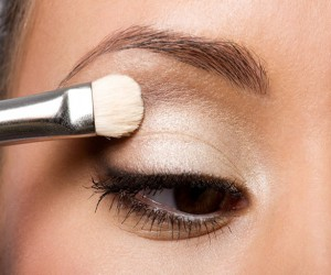 beauty tips, makeup, oily eyelids, primer, makeup tips