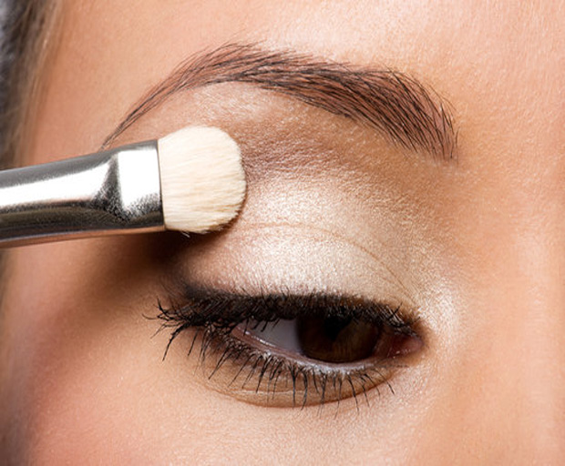 beauty tips, makeup, oily eyelids, primer, makeup tips