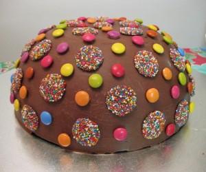 birthday cake ideas, kids cakes, easy cake, racing cake, dinosaur cake