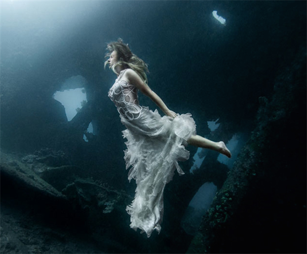 Underwater, fashion, Benjamin Von Wong, photography, Bali