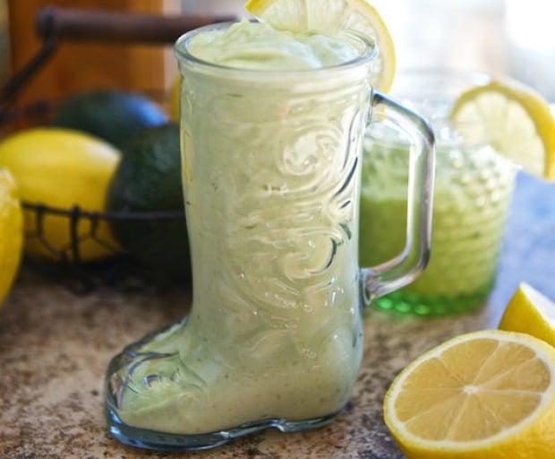 Healthy Avocado Lemonade Smoothie