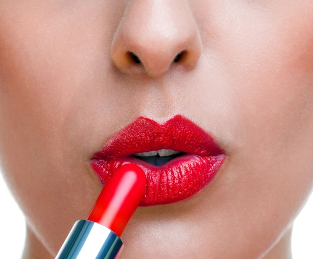 4 Ways To Plump Your Lips Naturally
