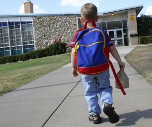 backpack, back pain, osteopathy, students, growing children, schoolchildren, health