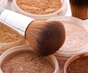 The Dangers of Mineral Makeup