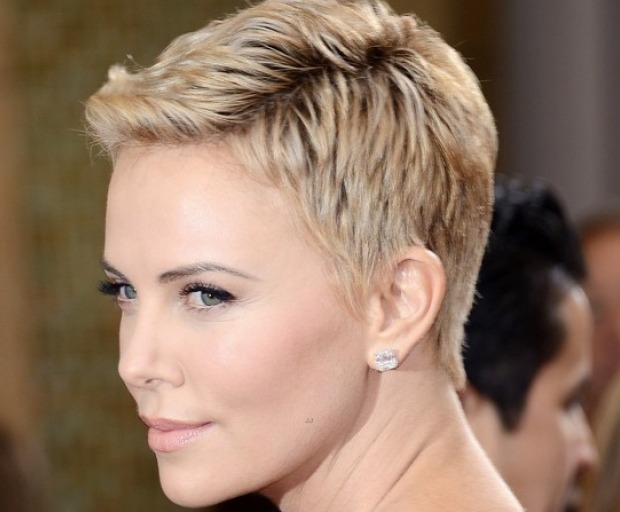 Hair Styles For Oval Faces: Flattering Hairstyles For Oval Faces