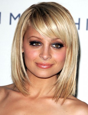 Hairstyles To Make Your Forehead Look Smaller