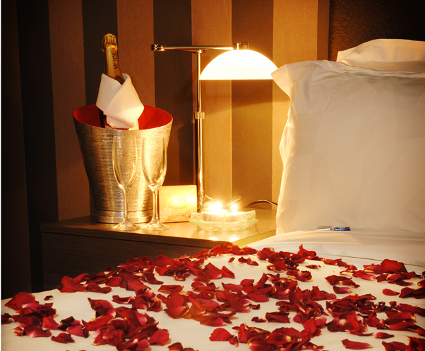 Take me away a valentine s day package fit for a queen for Romantic hotels for valentine s day