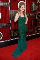 julianne moore red carpet green dress