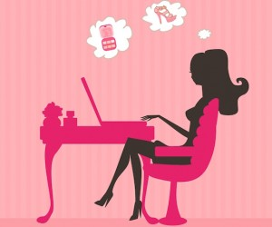 online shopping woman desk laptop