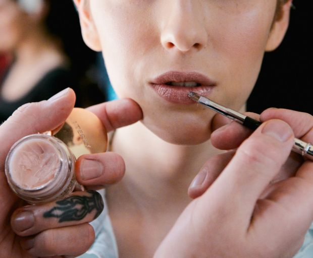 winter, chapped lips, dry lips, lip gloss, lip moisturiser, lips, beauty
