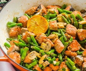 10 Minute Salmon and Vegetable Stir Fry