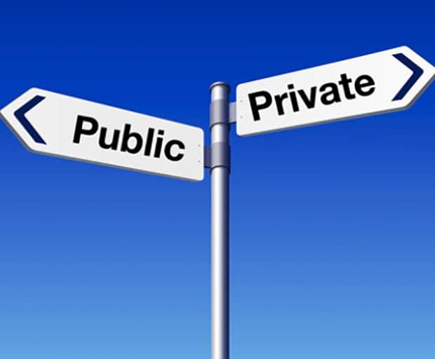 privacy, plane breakup, public conversation, social media, recording devices, live Tweet, breakup