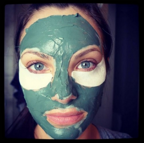 Beauty Hack: What Is Multimasking?