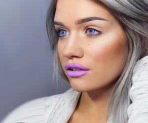 13 Pics That Prove Purple Lipstick Is The Bomb