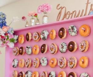13 Wedding Doughnut Walls That Will Make You Want ALL The Doughnuts