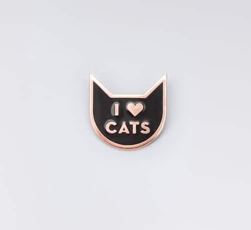 w3yRBZ1QO7_I_Heart_Cats_Pin