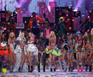All The Things The Victoria's Secret Show Makes Me Feel, As A Fat Woman