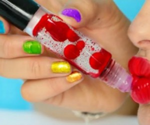 Here's How To Make Your Own Lava Lamp Lip Gloss