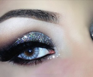 How To Wear The Glitter Makeup Trend Without Looking Like You're 18