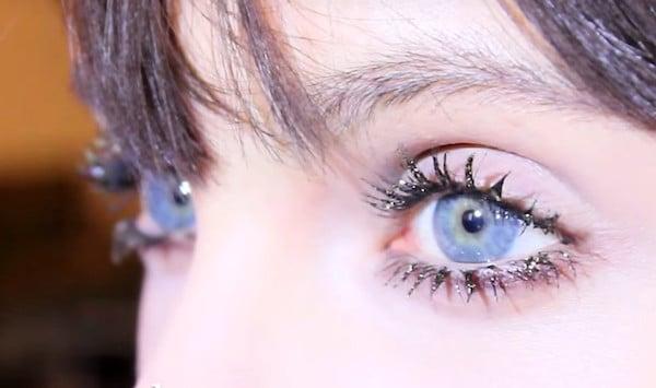 marc-jacobs-beauty-lash-couture_mascara-layering_sparkle-lashesjpg