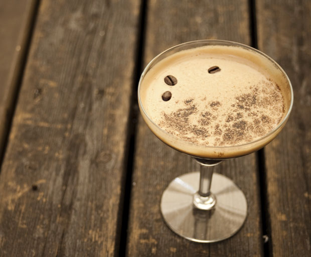 espresso martini, alcohol, cocktail, cocktail recipe, dessert, dessert recipe, drinks