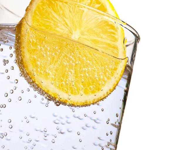 lemon water, detox, vitamin c, womens health