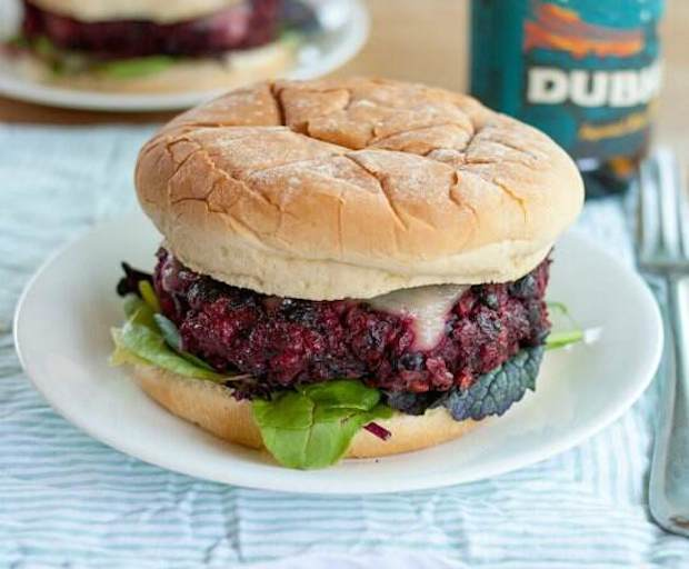 recipe, burger, beetroot, black beans
