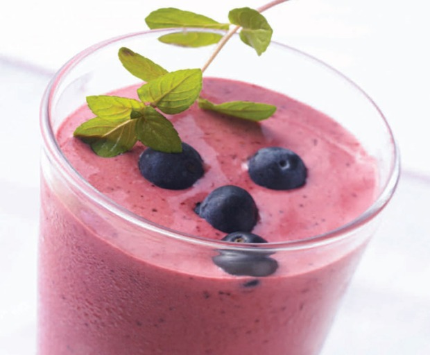 Healthy breakfast recipes: Tropical Oatmeal Smoothie Recipe