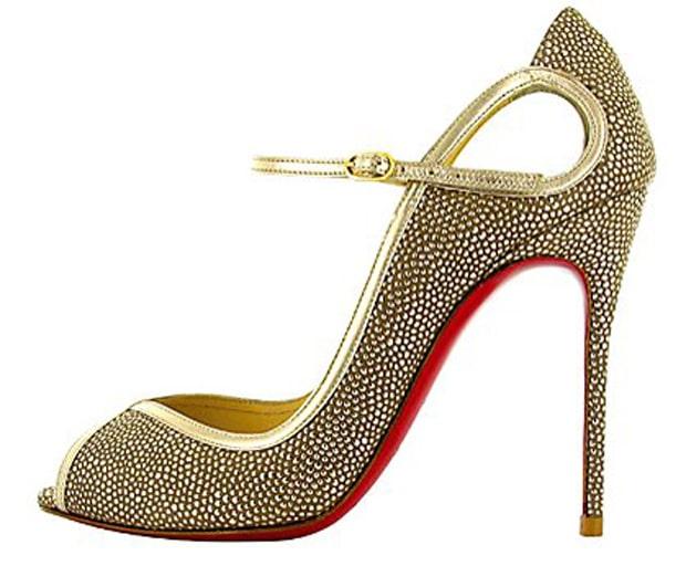 shoes, high heels, heel abuse, high-fashion shoes, Carrie Bradshaw, Manolo Blahnik, Jimmy Choo and Christian Louboutin