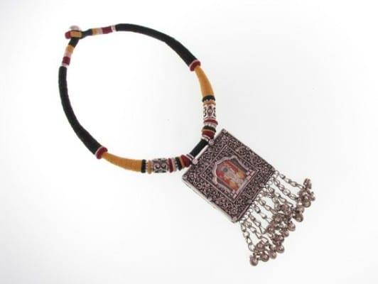 IMG_7607.Traditional miniature painting from Udaiput set into an amulet- Rajistahn JPG