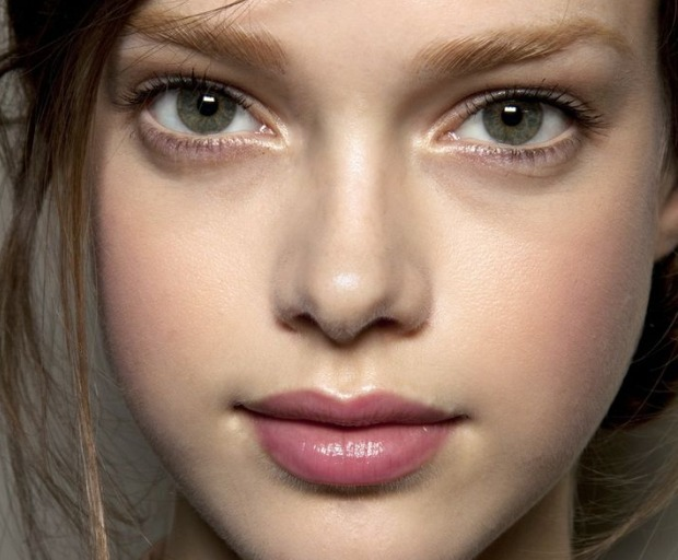 Makeup Trend: Sheer Lipstick