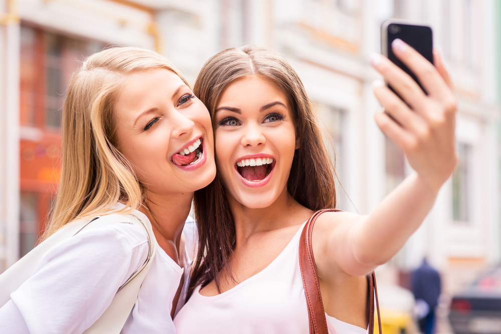 selfies, selfie generation, body image, body image disorders