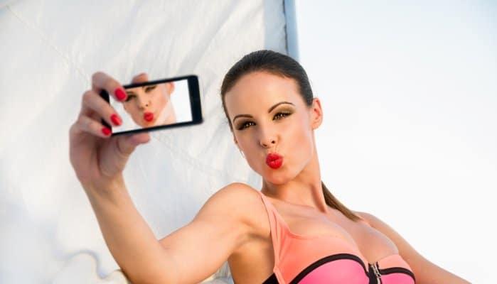 selfies, selfie generation, body image, body image disorders