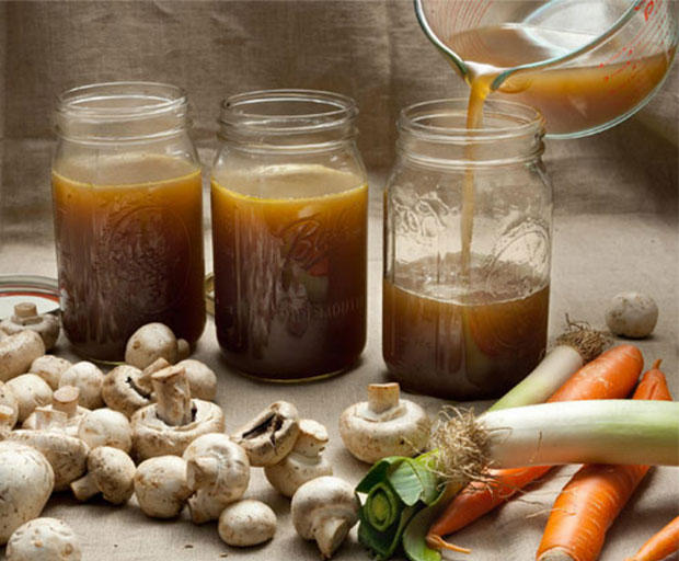 Bone broth, health, super foods, weight loss, women's health