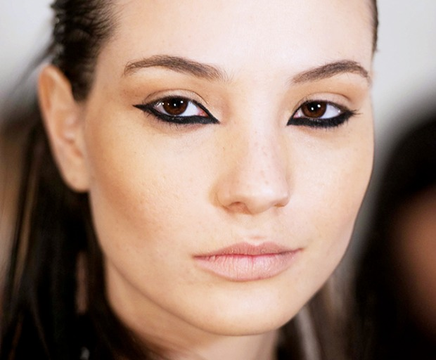 Get The Look: Upside Down Cat Eye