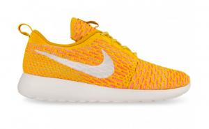 Nike Flyknit Yellow