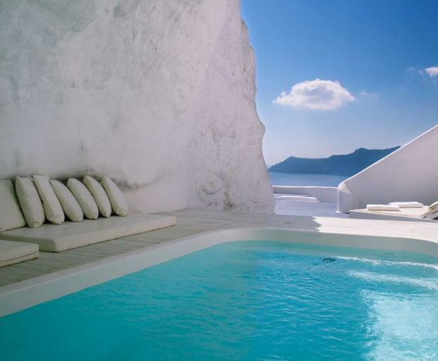 5 Reasons To Visit Greece This Summer