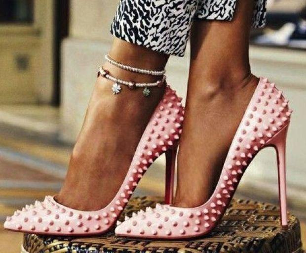 How To Easily Walk In High Heels