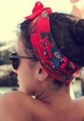 90s Trends: How To Style A Bandana