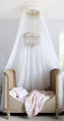 Sleeping In: The Best Canopy Bed Inspiration