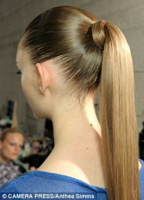 5 Hairstyles For Humid Weather