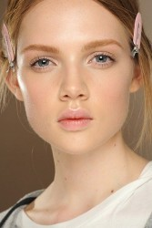 How To Wear Pastel Makeup