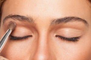 How To Contour Your Eye Makeup