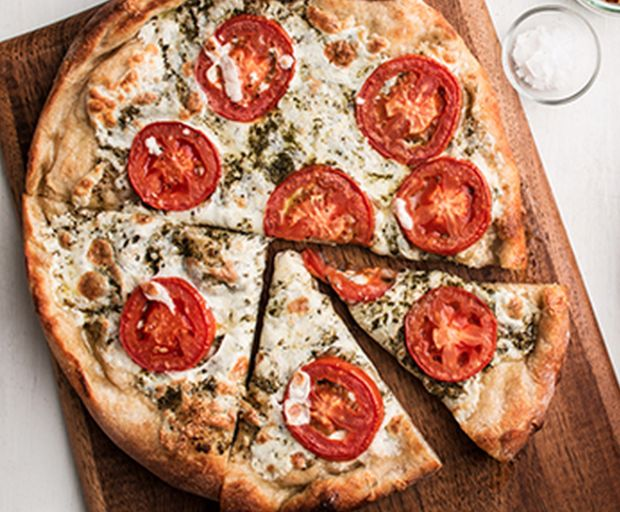 Classic Tomato and Mozzarella Pizza Recipe